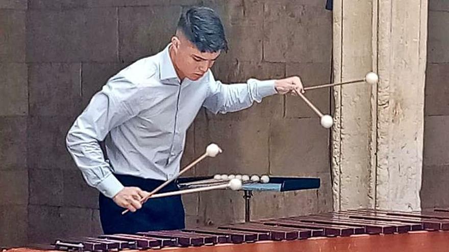 El músico zamorano Manuel Monterrubio ofrece hoy un concierto en la Catedral