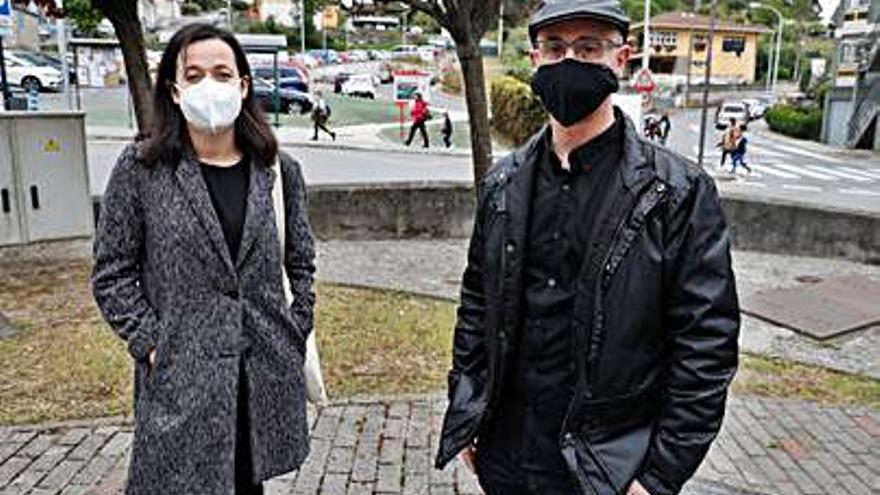 Sara Paz da el relevo al nuevo concejal de IU, Jesús Domínguez