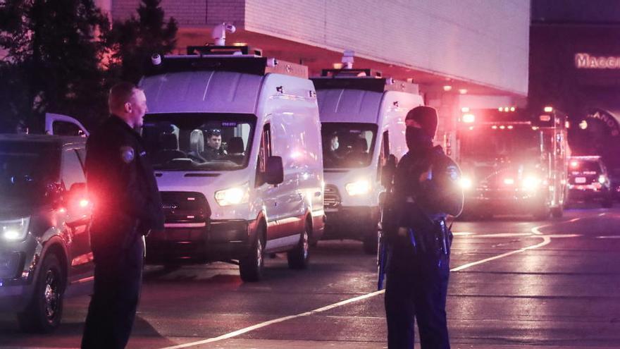 Varios heridos en un tiroteo en un centro comercial de EEUU