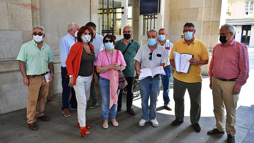 La falta de recursos propios de Emvsa retrasa la apertura del polideportivo de O Castrillón