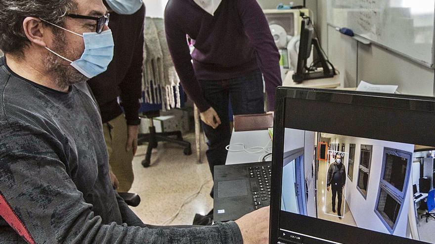 Una nueva patente de la Universidad de Alicante previene los contagios en las residencias de mayores