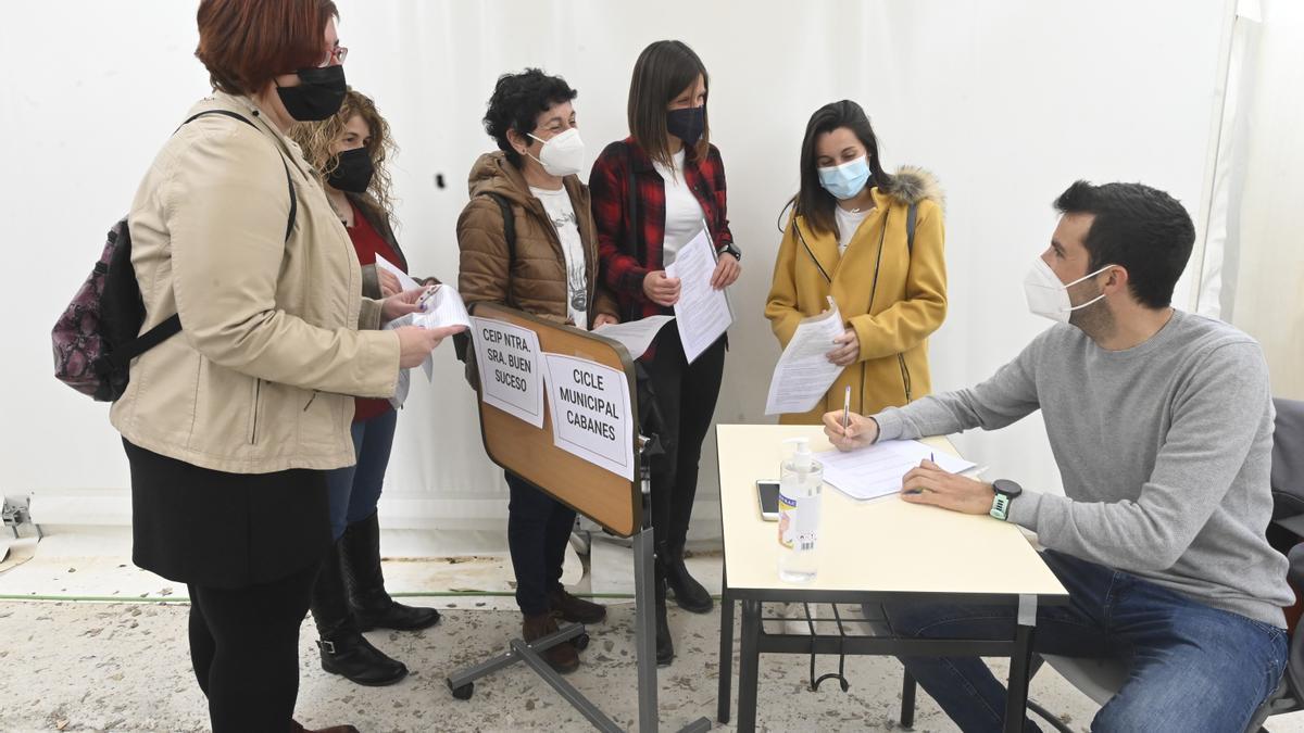 Segundo día de vacunación a profesores de Castellón.
