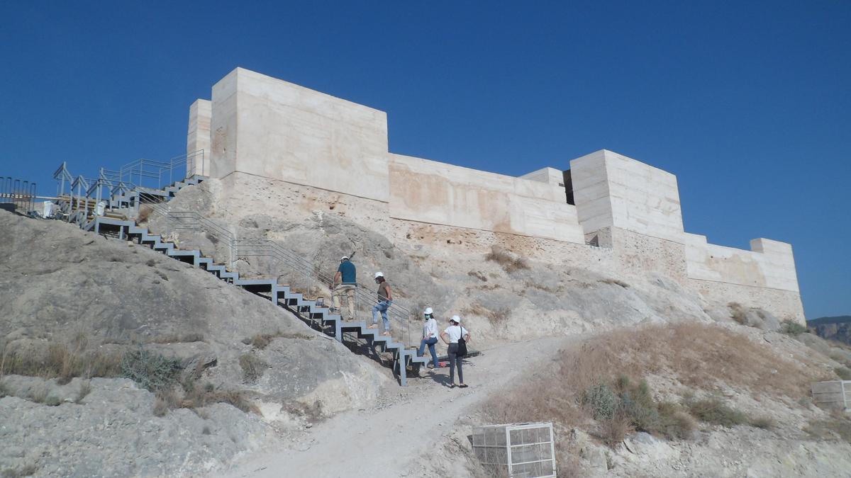 El Castillo de Xixona renace de sus ruinas