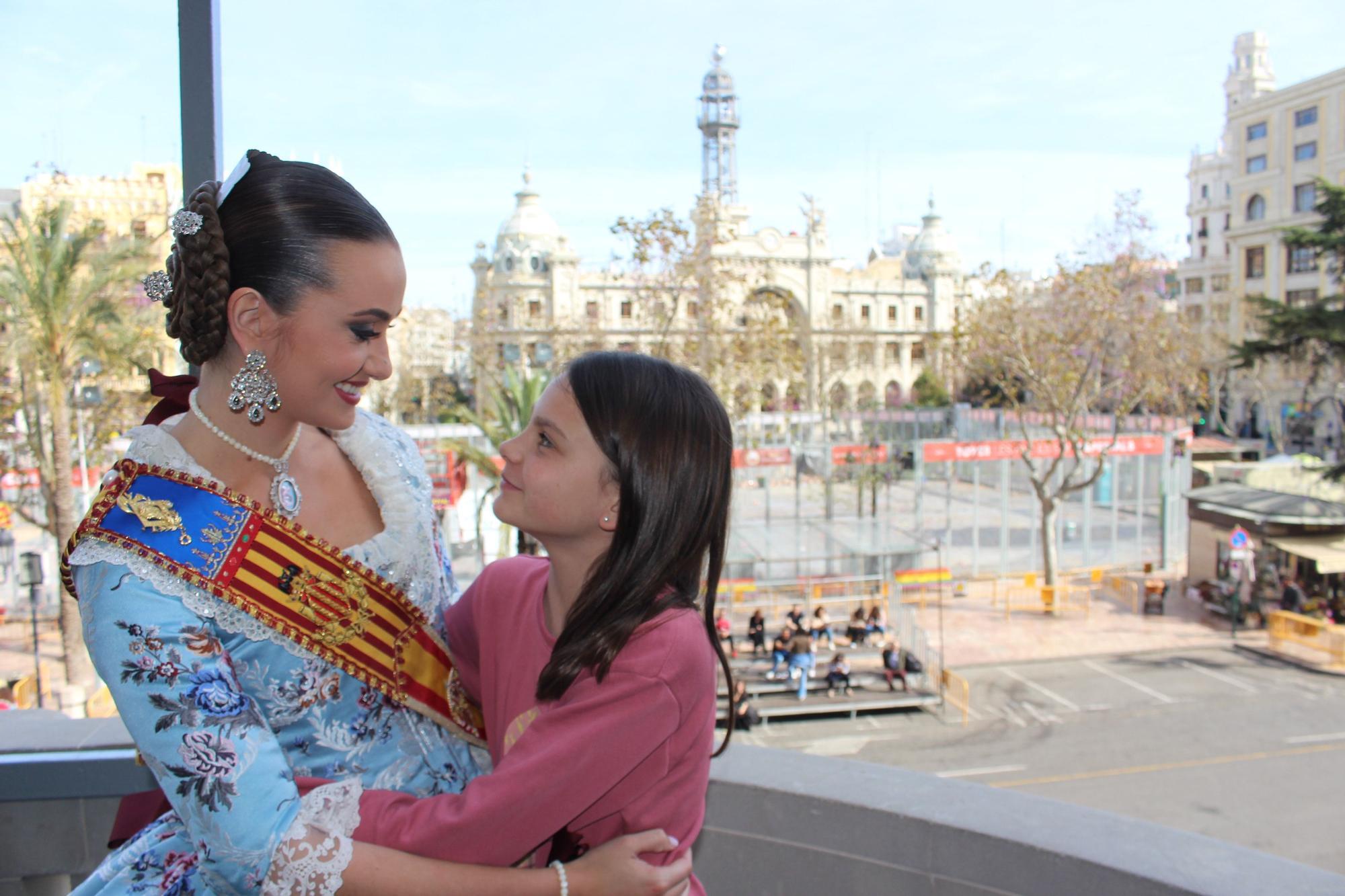 """El momento emotivo para Consuelo Llobell en los """"bunyols de brillants"""""""