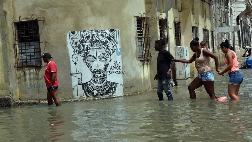 Irma inunda las calles de La Habana