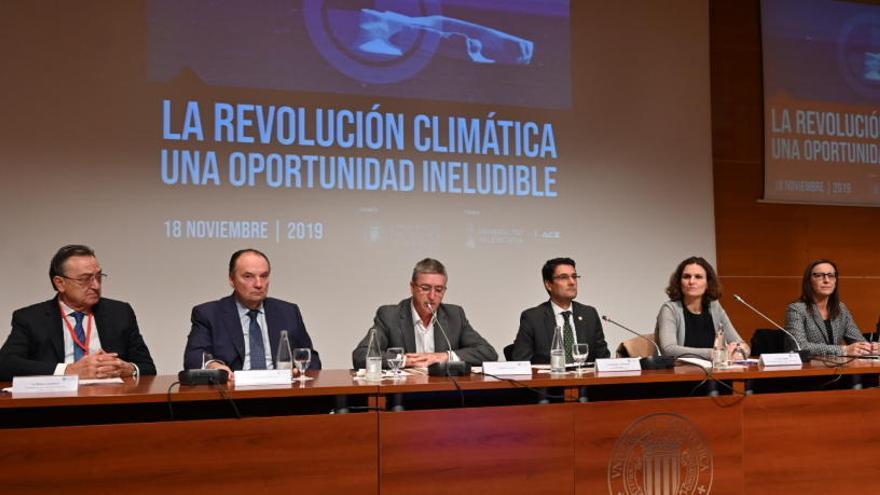 Cambiar el modelo energético costaría menos que el gasto sanitario del cambio climático