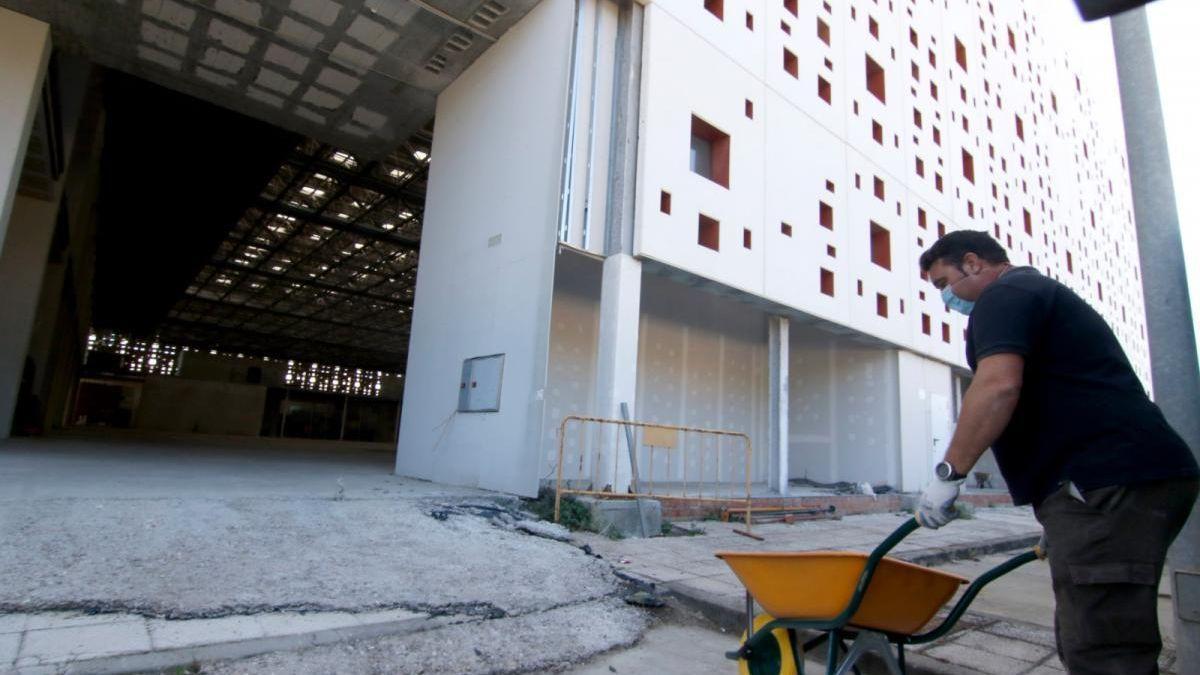 Trabajos en el Centro de Exposiciones, Ferias y Convenciones del Parque Joyero.