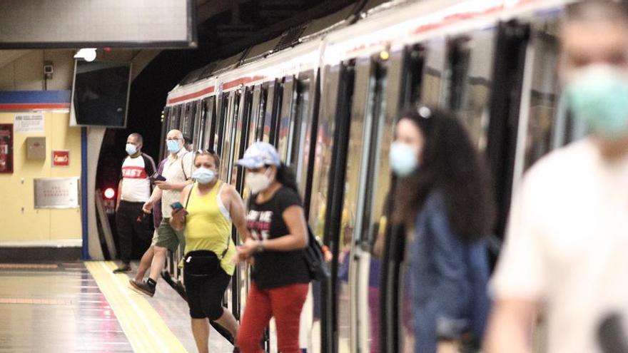 Agredidos dos vigilantes de Metro de Madrid por usuarios que no querían usar mascarilla