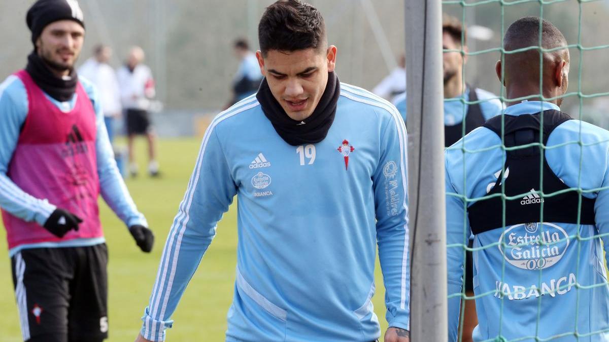 Gabriel Fernández durante un entrenamiento con el Celta. // Marta G. Brea