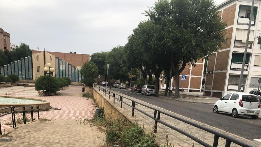"""La asociación de vecinos Virgen de Linares denuncia el """"deterioro progresivo"""" del barrio de la Fuensanta"""