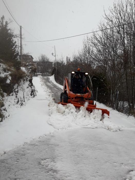 Neu a Castellar de n'Hug