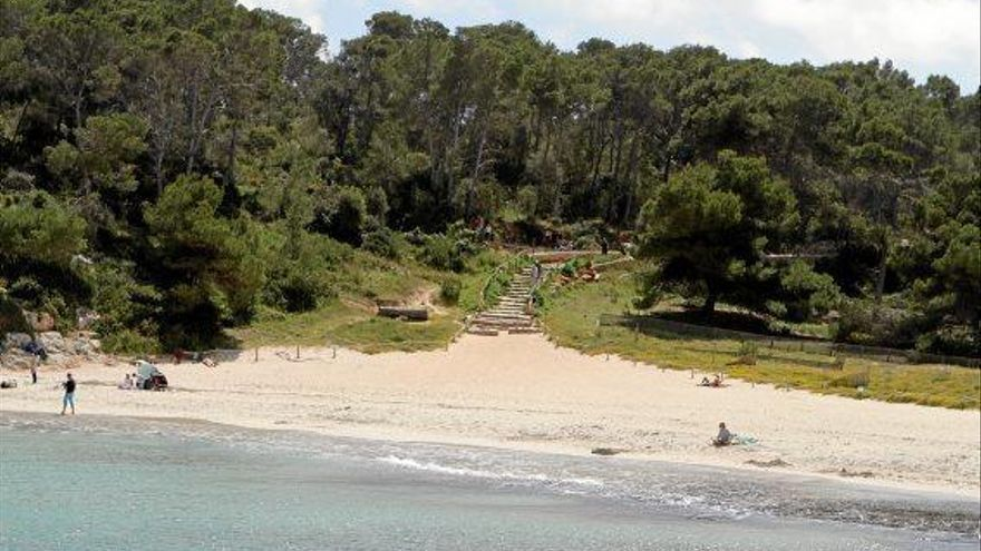 Santanyí fürchtet um Liegenverleih und Strandbuden in s'Amarador