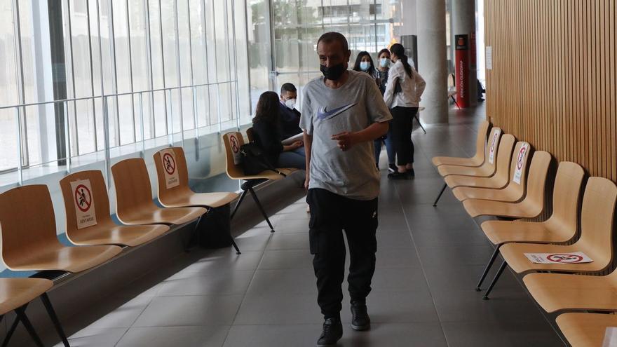 Condenado a 18 meses de cárcel por quemar con cigarros las manos de su mujer en Caspe