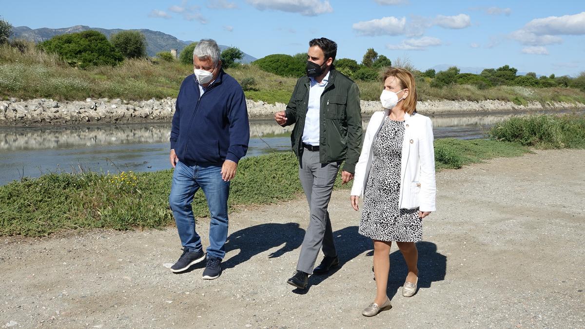 Los portavoces socialistas Salvador Trujillo, Daniel Pérez y Begoña Medina