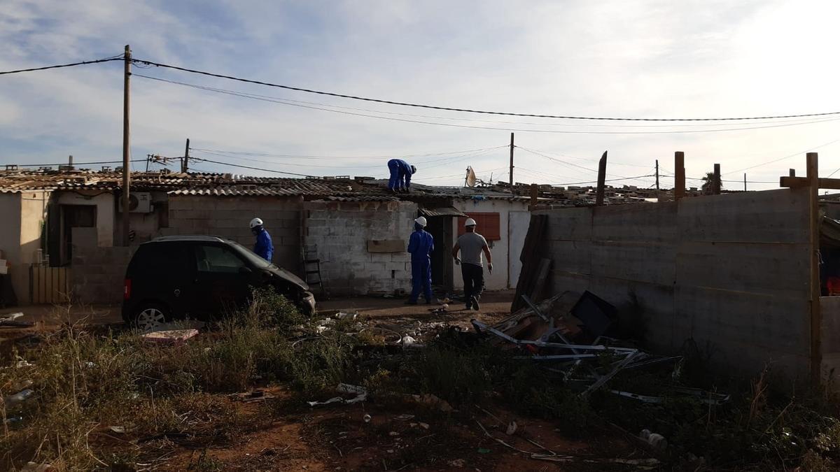BALEARES.-Cort ahorra más de 112.000 euros en facturación eléctrica desde el inicio del desalojo del poblado de Son Banya en 2018