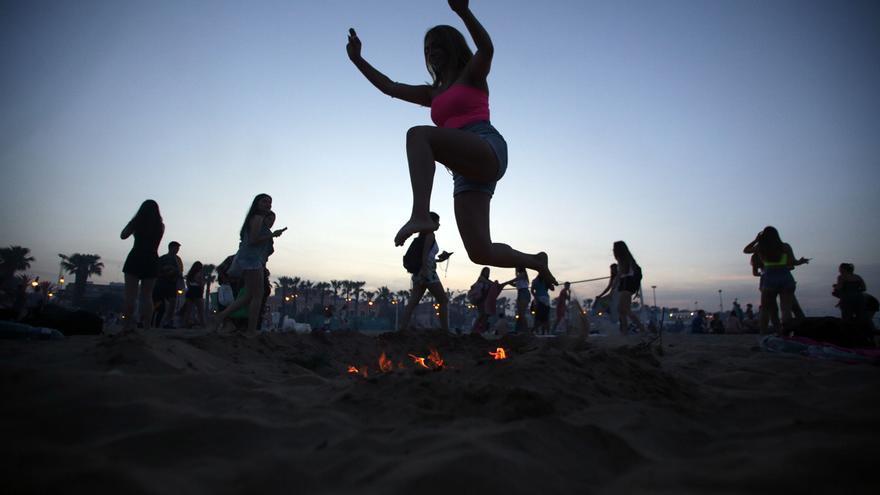 València cerrará todas sus playas la noche de San Juan para evitar el botellón