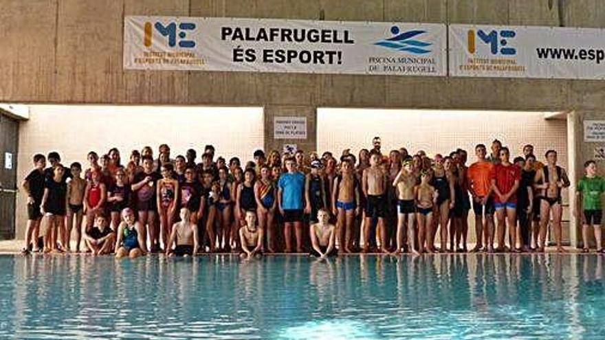 Nedadors de l'Europa de l'Est fan una estada a Palafrugell