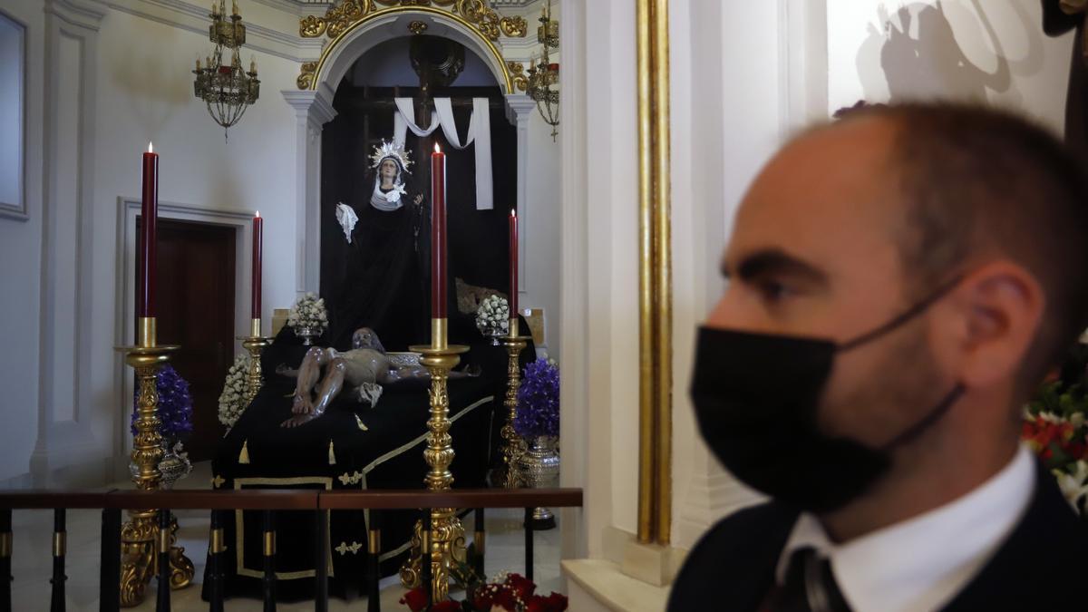 María Santísima de la Amargura, de Zamarrilla, de luto.
