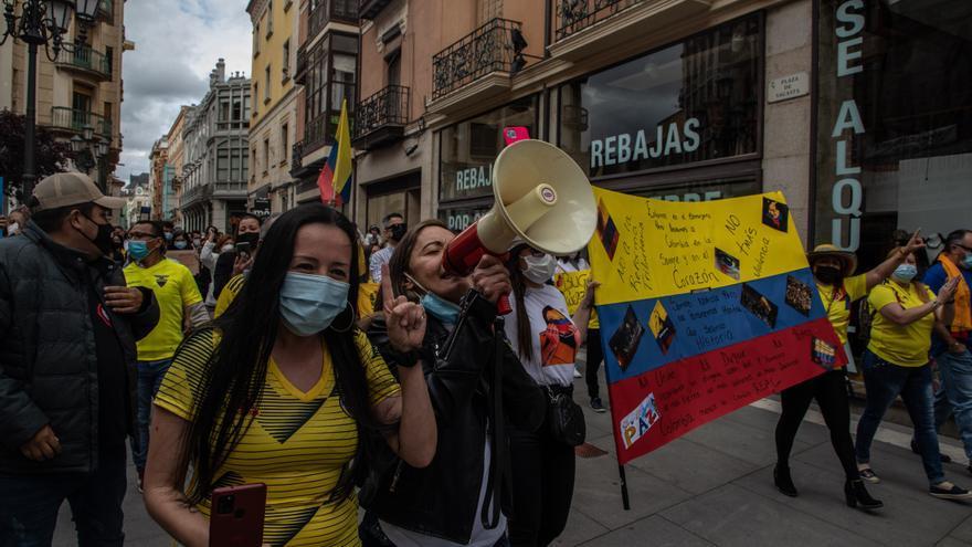 Los colombianos de Zamora salen a las calles