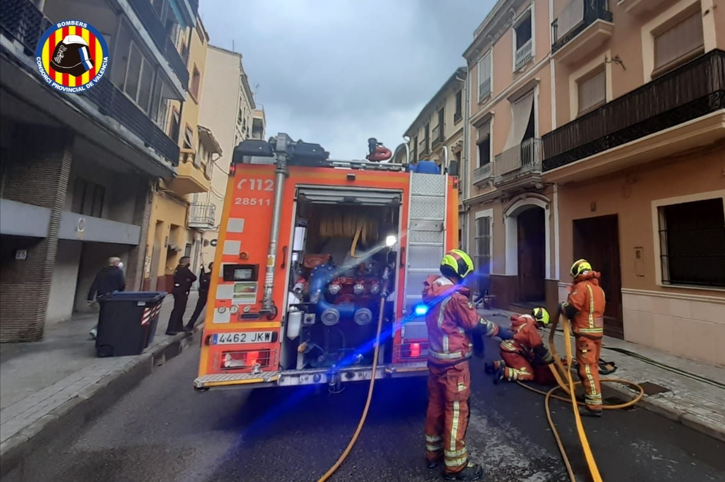 Una mujer de 84 años resulta herida leve en un incendio en Carcaixent