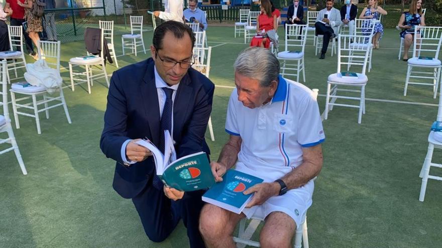El equipo de Quirónsalud Málaga presenta el Manual de Neurología del Deporte