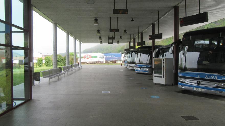 Iniciadas las obras para que la estación de autobuses de Cangas de Onís tenga talleres