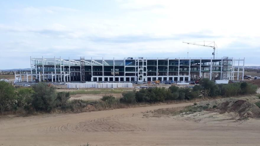 Amazon anuncia l'obertura del centre del Logis Empordà per a l'any vinent