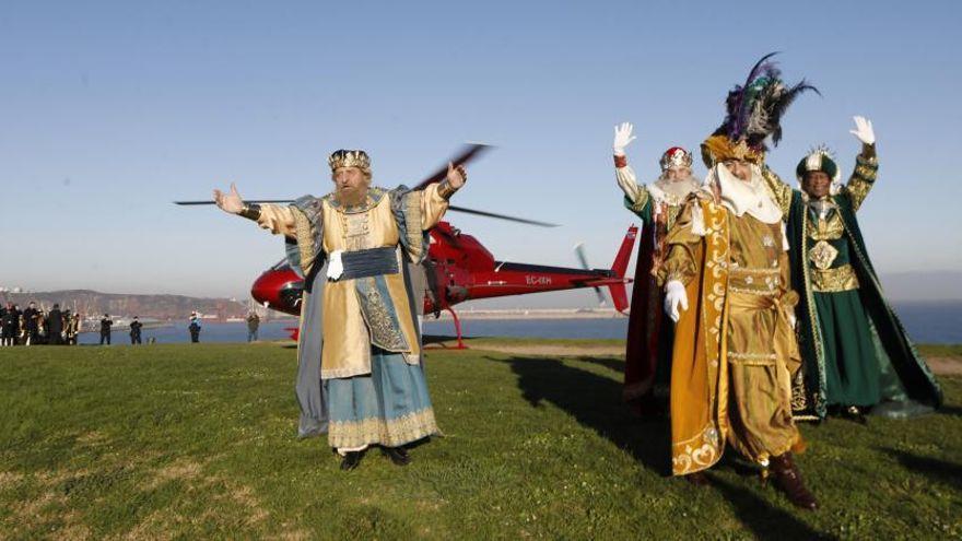 Los coches de los Reyes recorrerán todo Gijón cargados de regalos