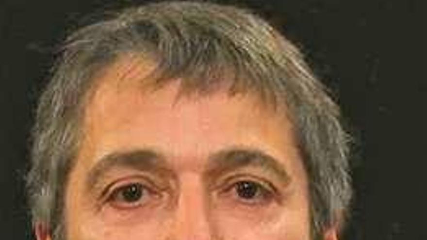 """Xurxo Alonso gana el concurso de poesía Concello de Carral con su obra """"En luz escrita"""""""