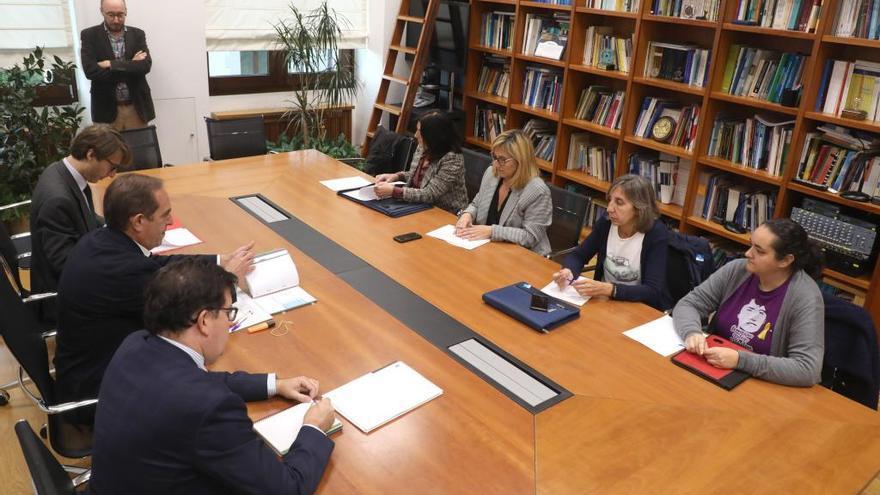 La Xunta reservará en sus presupuestos 90 millones para aplicar una subida salarial del 2,2% a los funcionarios