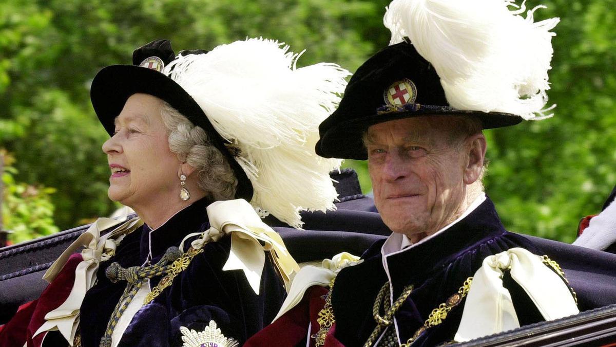 Imagen de archivo del príncipe Felipe de Edimburgo y la reina Isabel II.