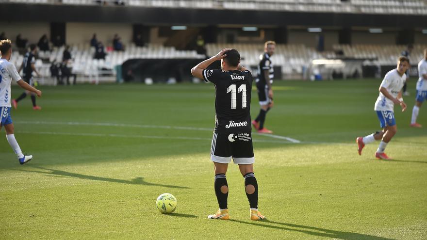 El Cartagena se aleja de la permanencia (0-0)