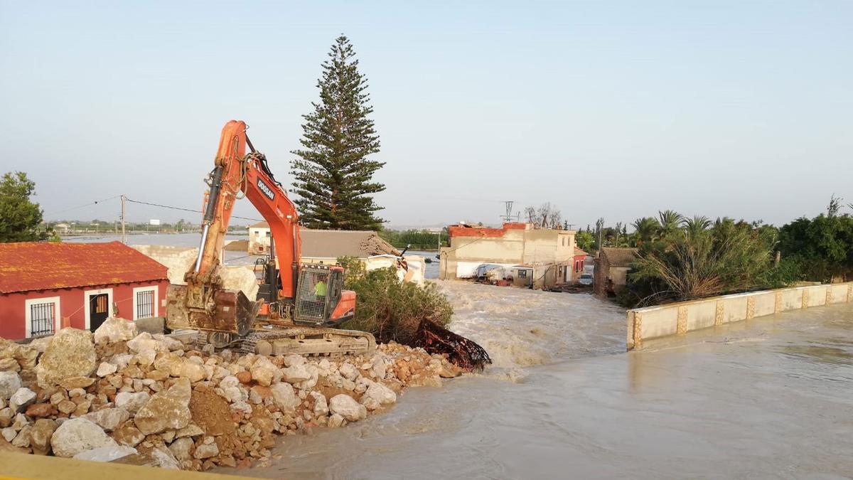 La rotura de paños en Almoradí provocó que el municipio quedara totalmente inundado.