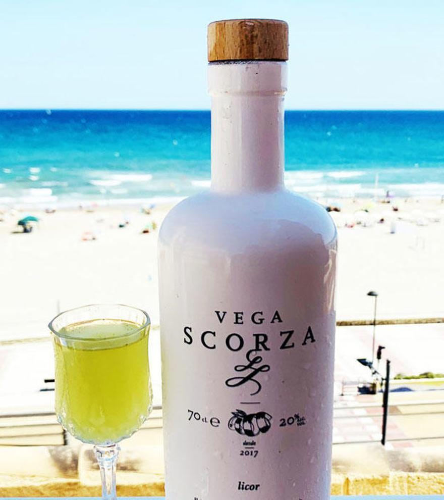 Vega Scorza, el licor de limón ecológico de la Vega Baja que conquista el corazón 'gourmet'