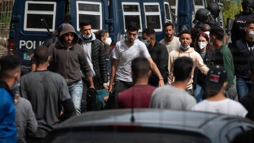 Otros cuatro migrantes ingresan en prisión por los altercados en el campamento de Tenerife