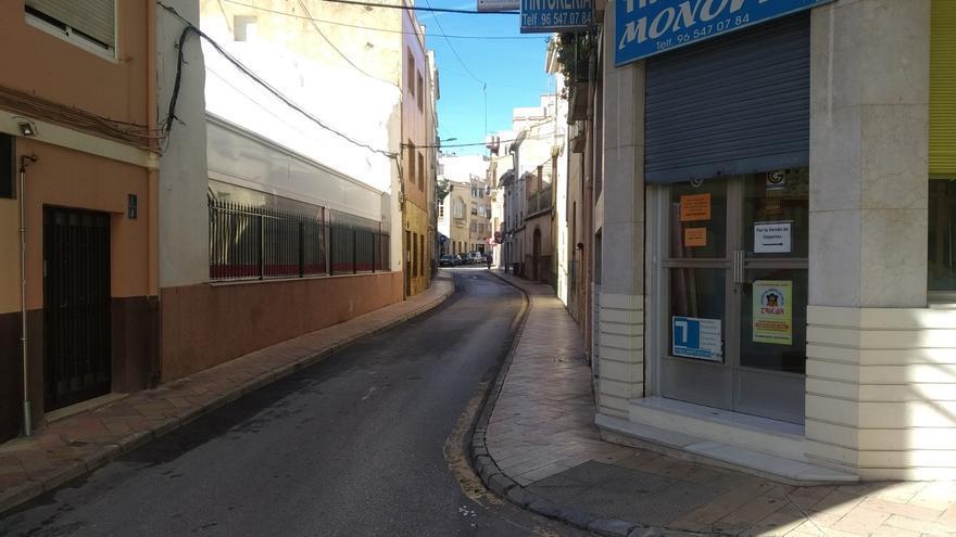 Las nuevas restricciones anticovid vacían las calles de Monóvar