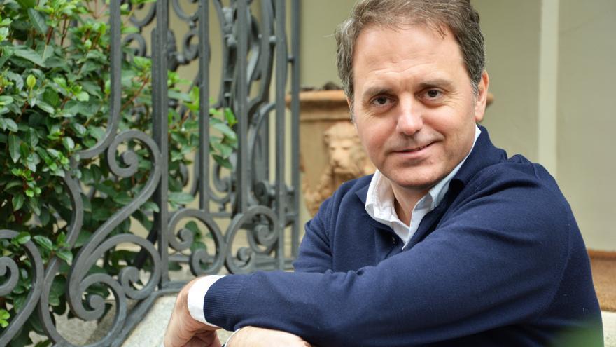Domingo Villar: «Estos cuentos llevan buena parte de mi sustancia íntima»