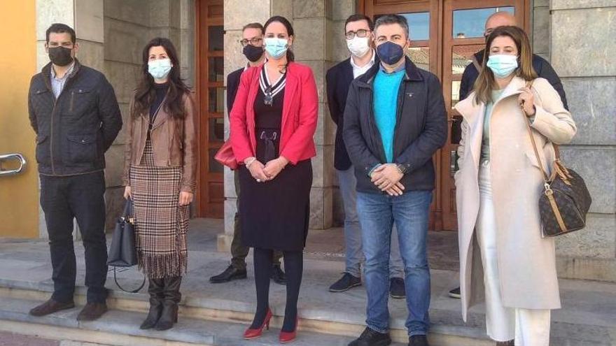 Los ediles del PSOE no confían en el vuelco pactado en los municipios