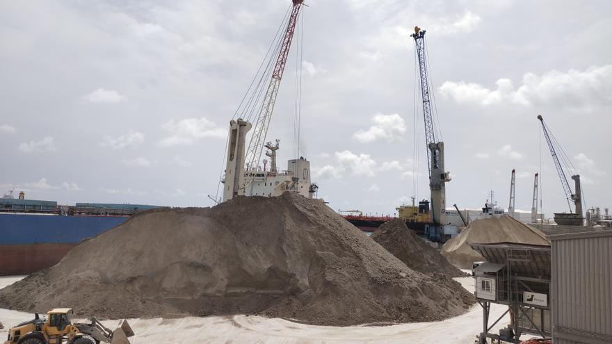 PortCastelló crece un 11% y cierra el mejor mes en graneles sólidos