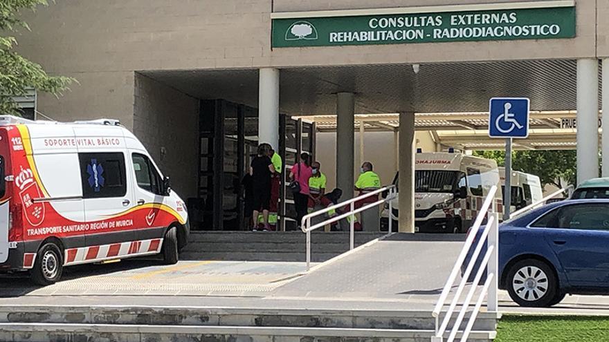 Salud cierra la cantina del IES Los Albares por protocolo ante el brote de gastroenteritis en Cieza