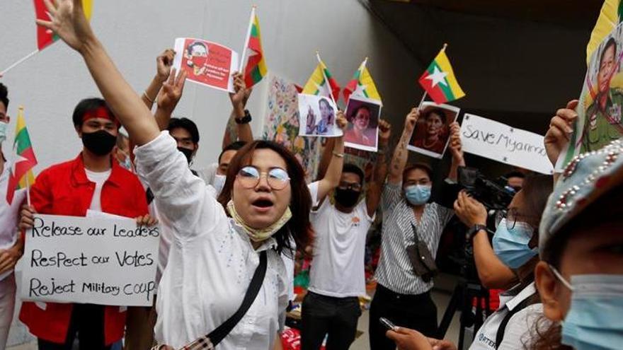 Nuevas detenciones de políticos electos por parte de los militares birmanos