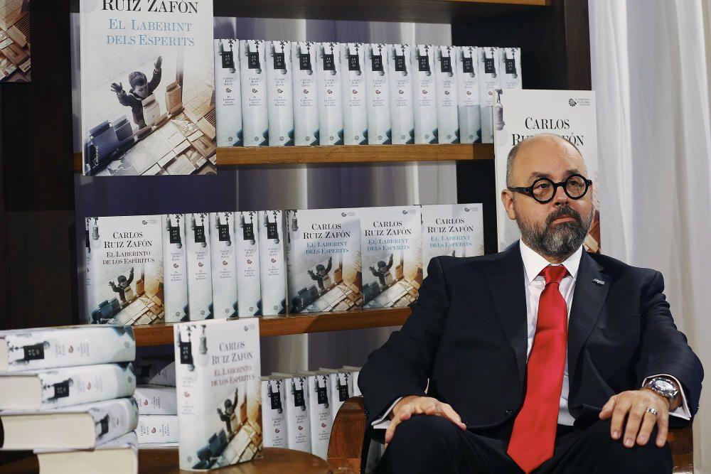 RUIZ ZAFÓN CULMINA CON 'EL LABERINTO DE LOS ...
