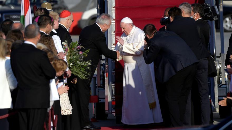 El papa Francisco retoma su agenda internacional y viaja a Hungría
