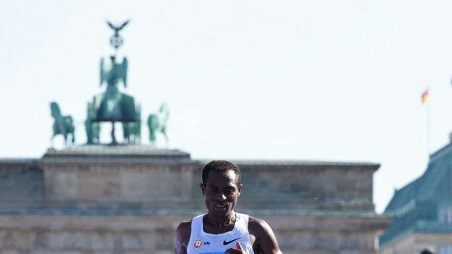 Bekele 'pincha' en Berlín a ritmo de récord del mundo