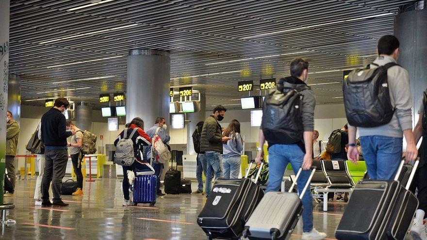 Un informe confidencial de Transportes consolida el descuento aéreo del 75%