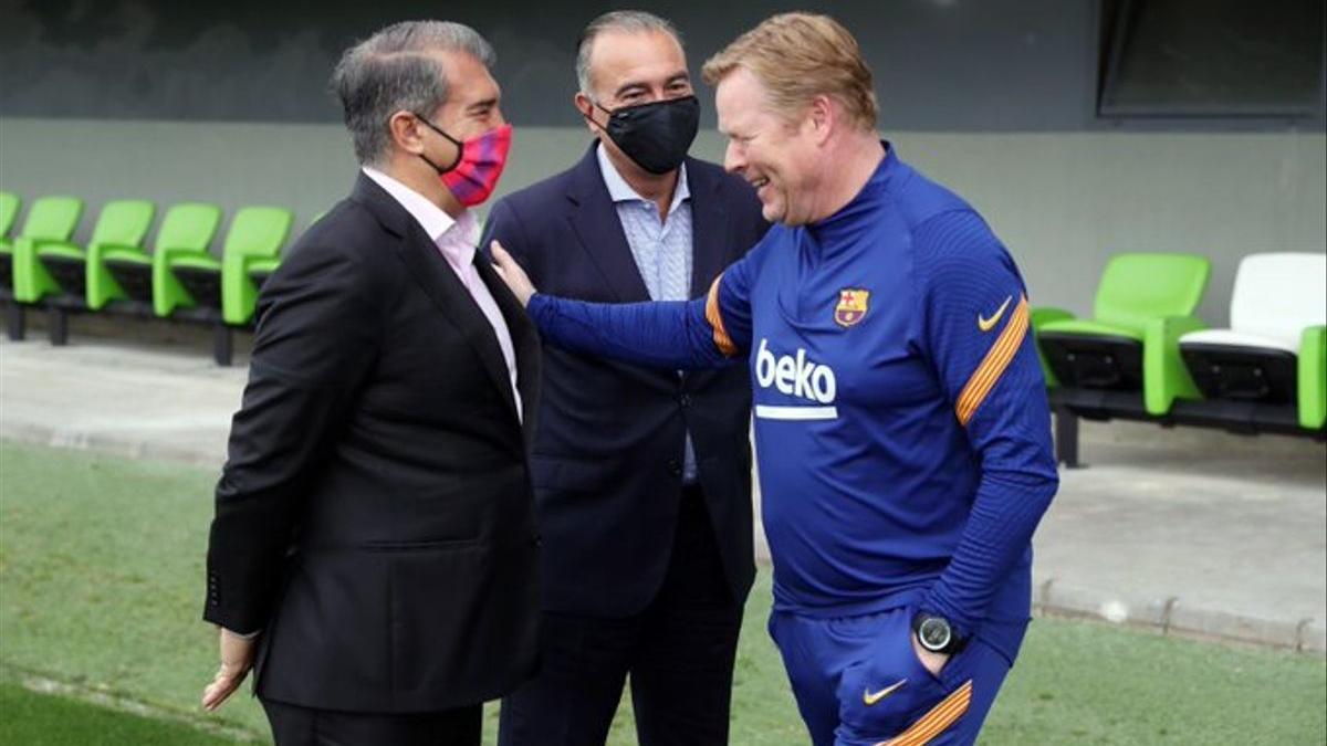 Laporta, Yuste y Koeman, en la ciudad deportiva del Barça