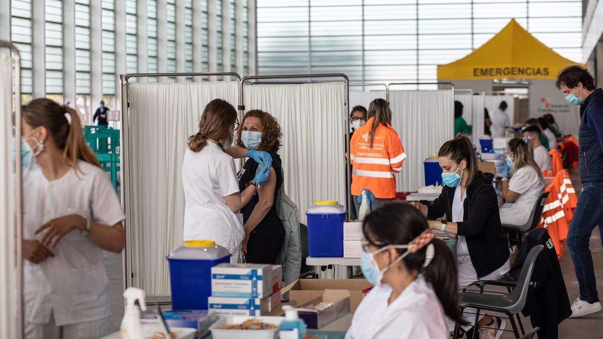 Vacunación masiva en Ifeza
