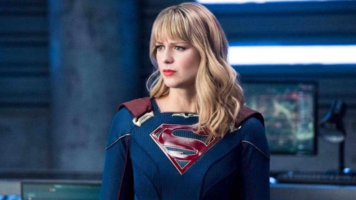 Melissa Benoist como Supergirl.