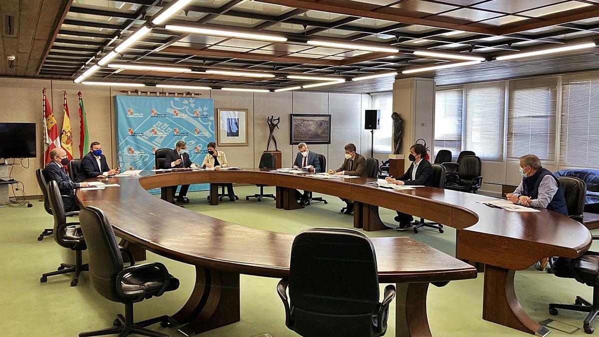 Reunión de la comisión de seguimiento del programa de recuperación de zonas degradadas.   Cedida