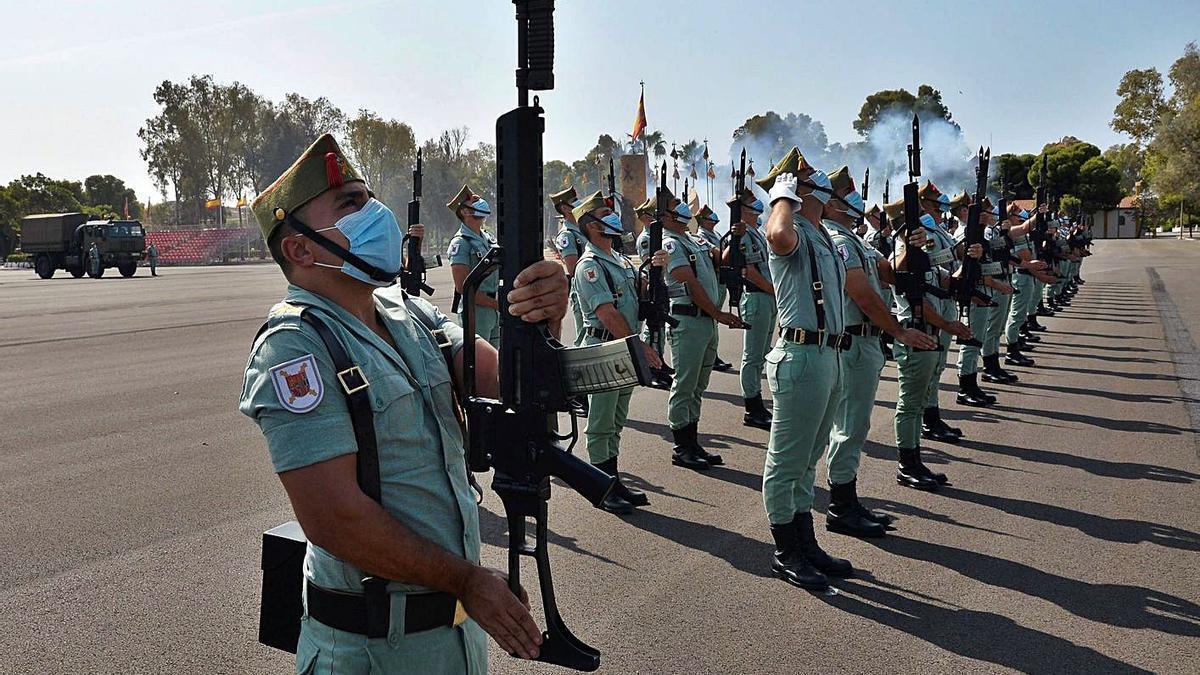 Acto de  celebración del centenario de la Legión en su base de Almería.
